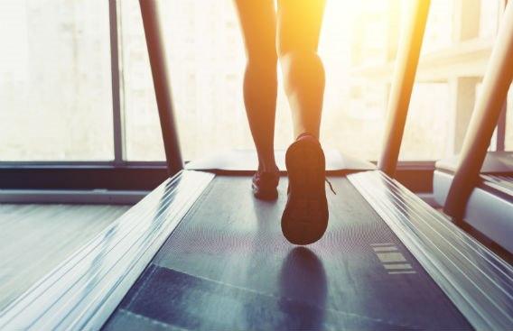 לנצח במגרש הביתי: המדריך לציוד ספורט ביתי