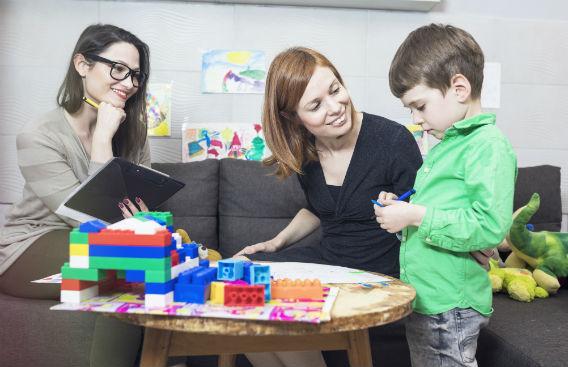 ליווי מלא מגיל אפס: המדריך המלא לפסיכולוגים התפתחותיים