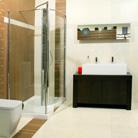 מקלחת קרה או חמה? המדריך לקניית מקלחונים