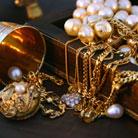 בחירת תכשיטים מעוצבים ליום המאושר בחייך