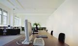 לעבוד במשרד, להרגיש כמו בבית: המדריך המלא לבחירת ריהוט משרדי