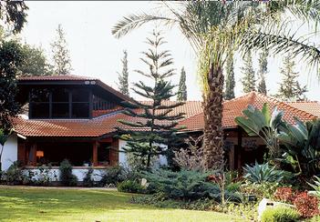 מגוון בתי עץ לפי דרישת הלקוח