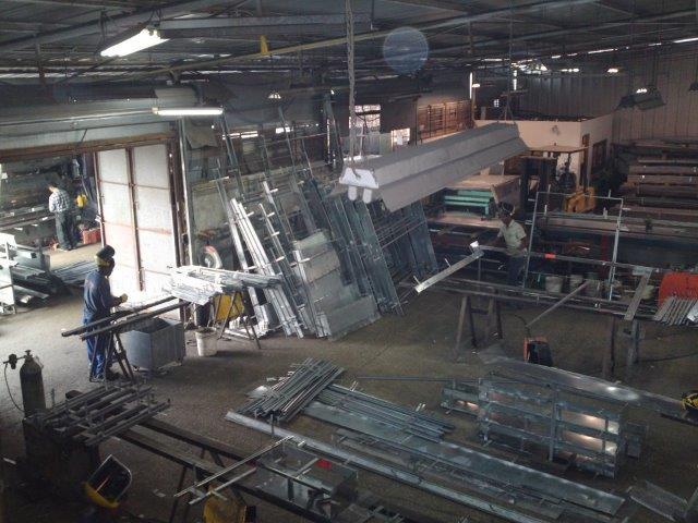 מפעל לעבודות מתכת