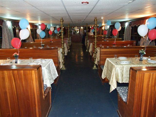 חדר האוכל בספינת מלכת עכו