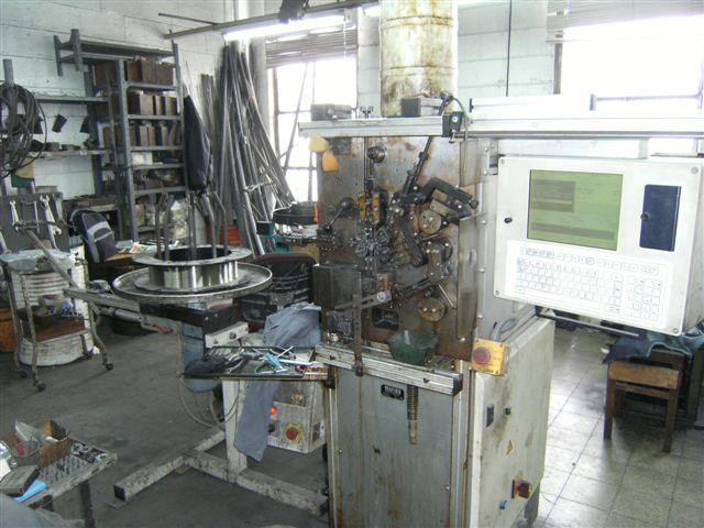מכונה לייצור קפיצים