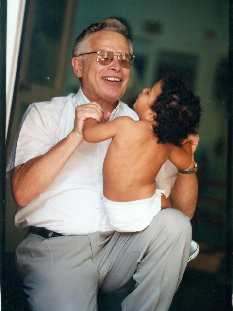 פרופ' הראל שאול - רופא ילדים בתל אביב