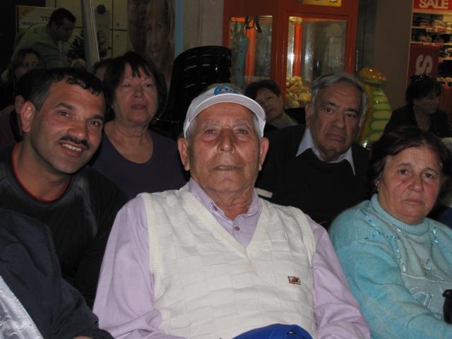 מטפלים ישראלים לטיפול בקשישים
