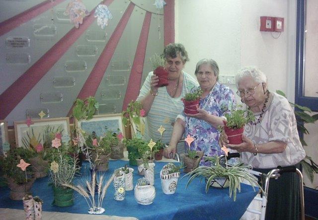 בית אבות עם פעילויות חברתיות וספורט