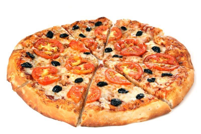 פיצה עם שלל תוספות ומגוון בצקים