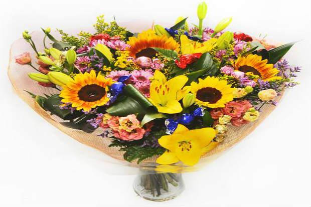 סידור פרחים חמניות