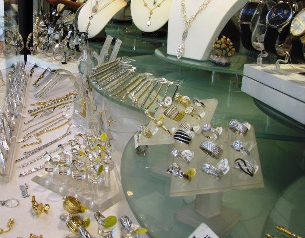 תכשיטים בעבודת יד