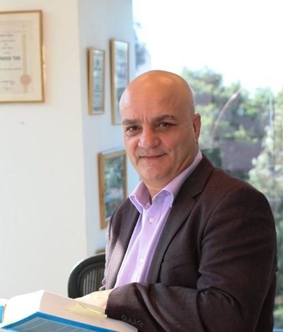 """עו""""ד אורי גלבוע - מתמחה בחקירות מומחים רפואיים"""