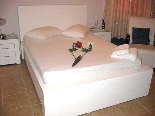 חדר שינה רומנטי ומפנק לזוגות