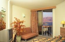 חדרים מרווחים עם מרפסת