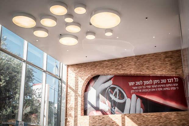 """גלריית תמונות של טויוטה - מוסך רייכמן בע""""מ"""
