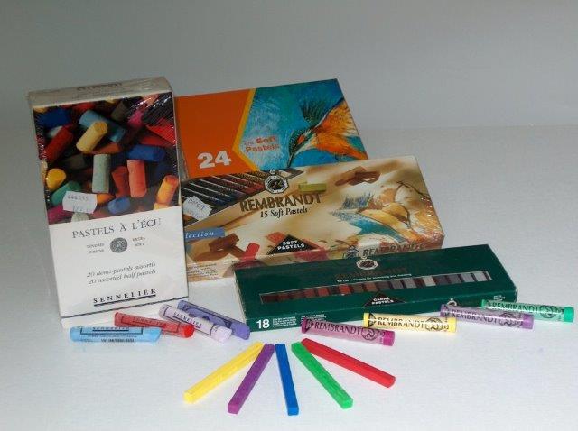 כלי כתיבה וצבעים איכותיים