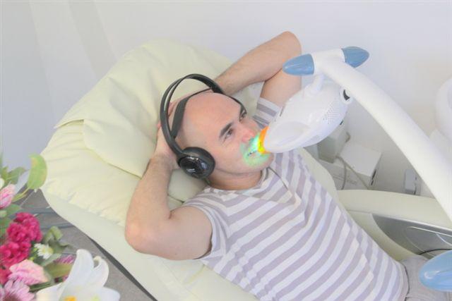 טיפול הלבנת שיניים