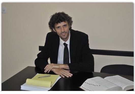 עורך דין יהושע פקס - הגירה ואזרחות זרה