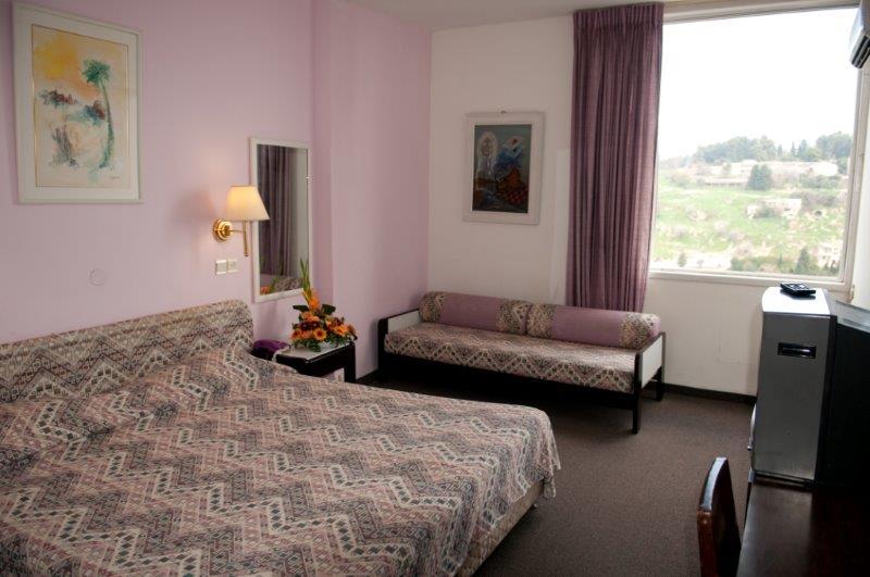 אחד מחדרי המלון