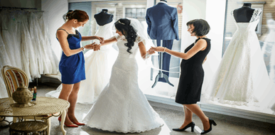 עיצוב שמלות כלה: לעצב את השמלה לפי רצון הכלה  - תמונת המחשה