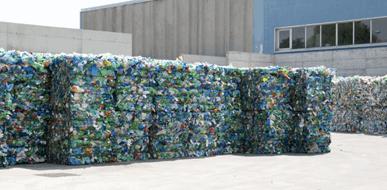 פינוי ומחזור פסולת תעשייתית - תמונת המחשה