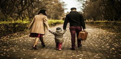 מילון דיני משפחה: הרחבת המשפחה שלא דרך הולדה - תמונת המחשה