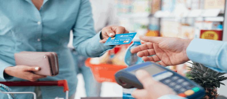כתבות בנושא כרטיסי אשראי - תמונת אווירה