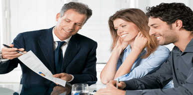 סוכן ביטוח - במי תבטחו בנושא ביטוח חיים, ביטוח רכב או ביטוח משכנתא? - תמונת המחשה