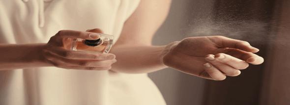 מריחים את ההבדל - בושם לאישה או בושם לגבר - תמונת המחשה