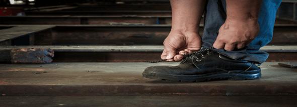 בחירת נעלי עבודה נוחות - מנעלי עבודה אורתופדיות ועד נעלי עבודה אוסטרליות - תמונת המחשה