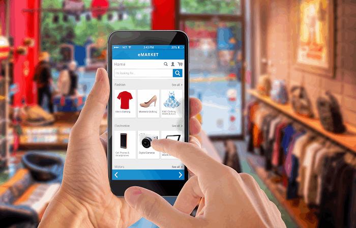 חנות בגדים אונליין : תמונה שאטרסטוק