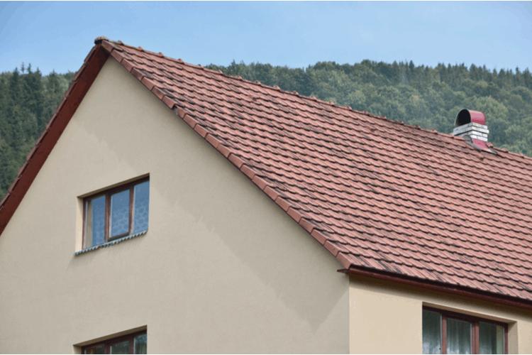 גג עם שיפוע לעליית גג. צילום: שאטרסטוק