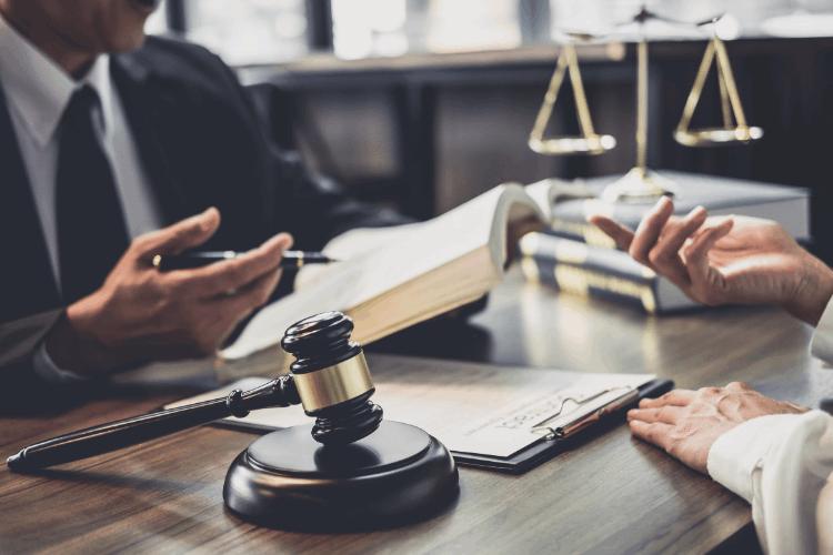איך לבחור עורך דין? צילום: shutterstock