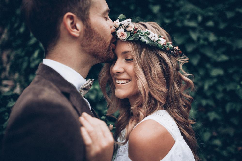 סיפור שמגיע להצעת נישואים וחתונה: תמונה שאטרסטוק
