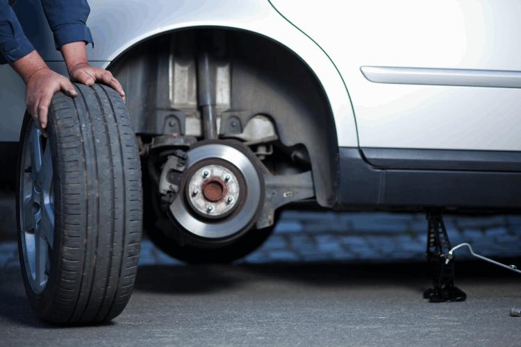איך בוחרים צמיגים לרכב? צילום: shutterstock