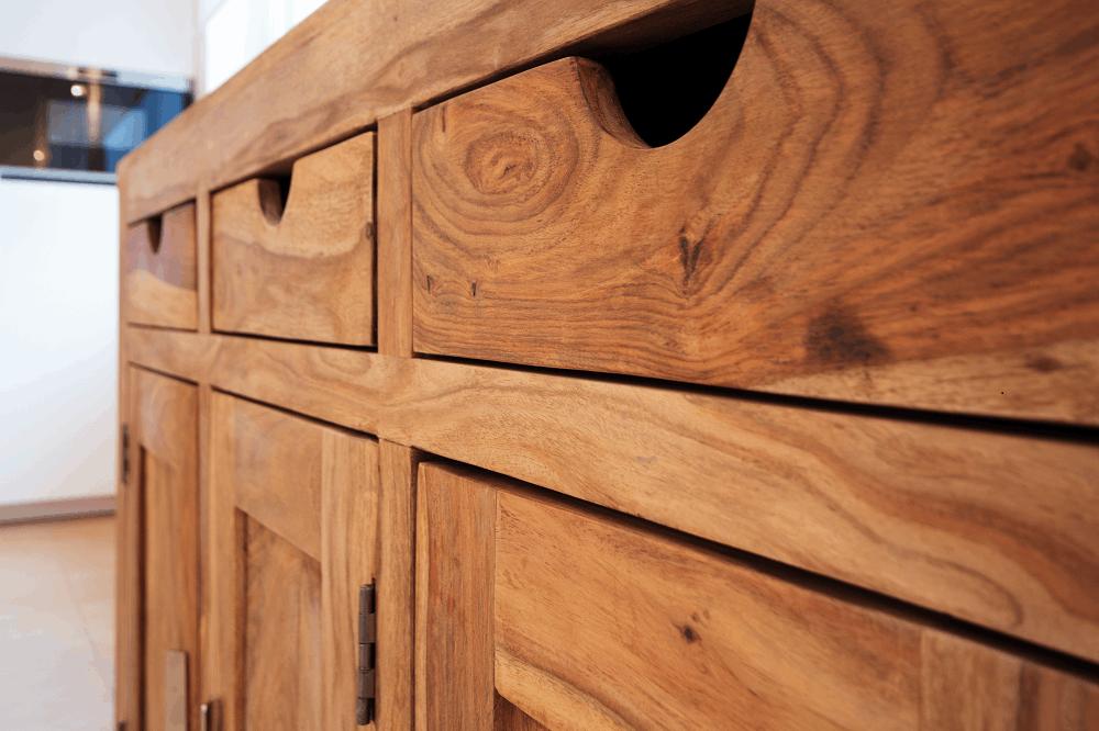 רהיטים מעץ טבעי: תמונה שאטרסטוק
