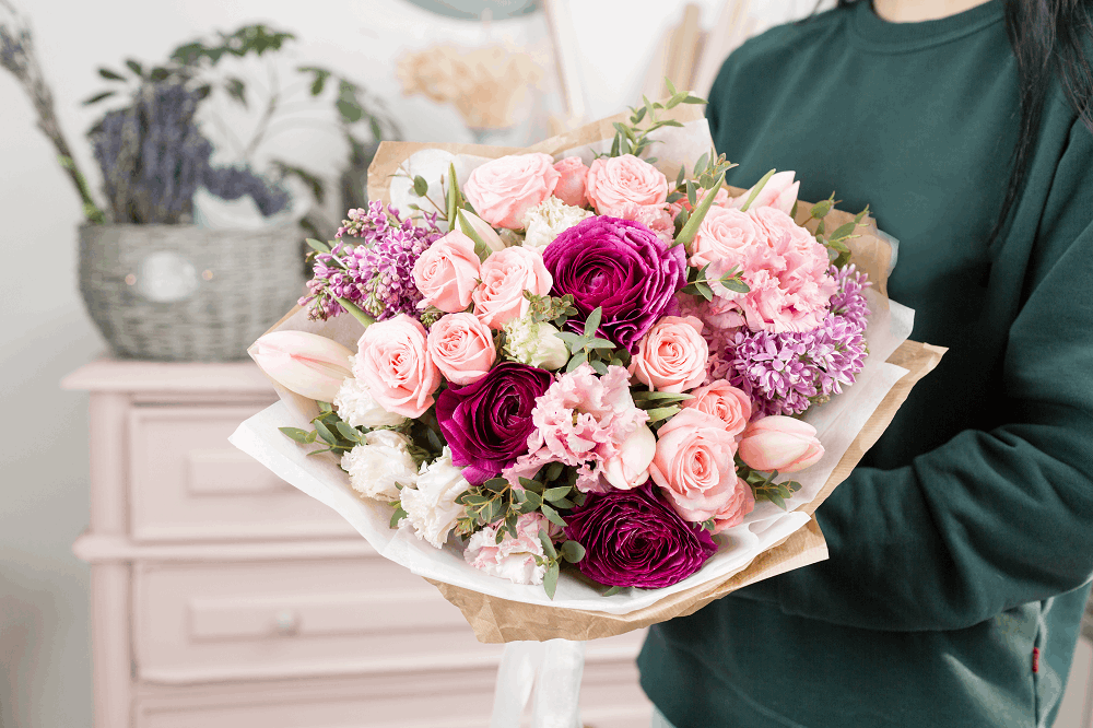 זר פרחים כסמל לשנה חדשה: תמונה שאטרסטוק