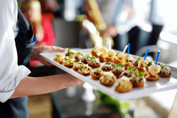 אוכל טוב באירוע הוא המפתח להצלחתו. צילום: shutterstock