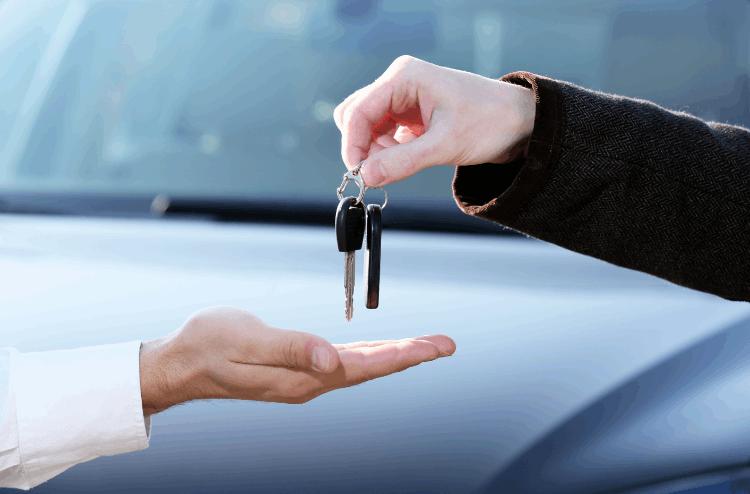קניית רכב יד שנייה. צילום: shutterstock