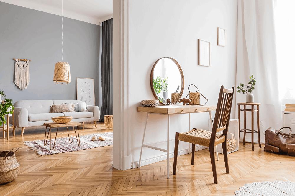 שיפוץ רהיטים למראה המושלם: תמונה שאטרסטוק