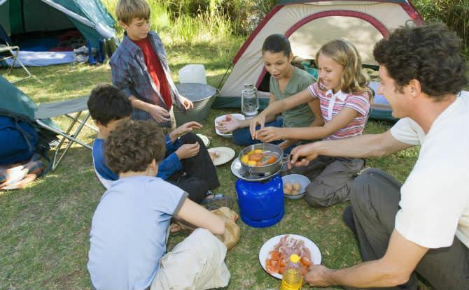פעילות קמפינג עם הילדים