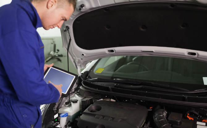 טיפול ברכב במוסך