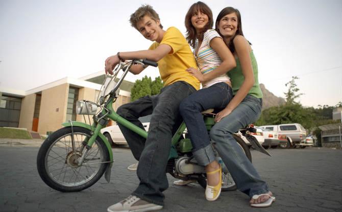 אופניים חשמליים מגיל 16