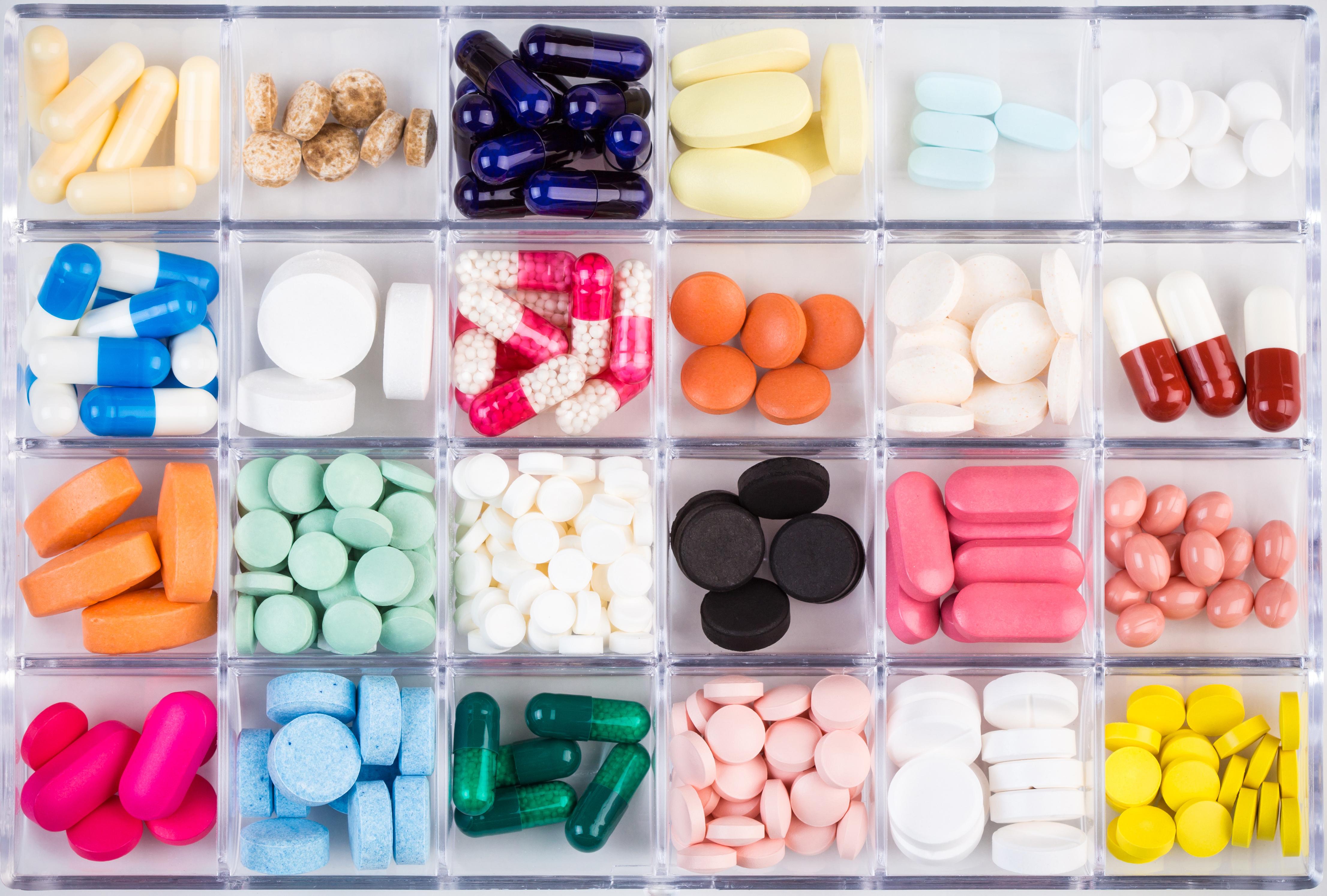 תרופות מרשם ותרופות ללא מרשם - בית מרקחת