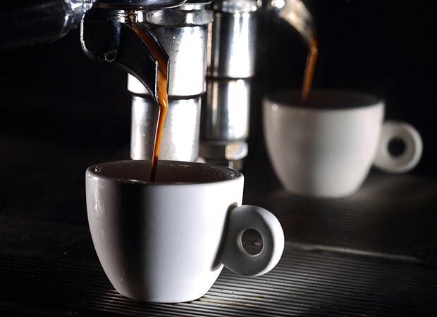 מכונת קפה חצי אוטומטית
